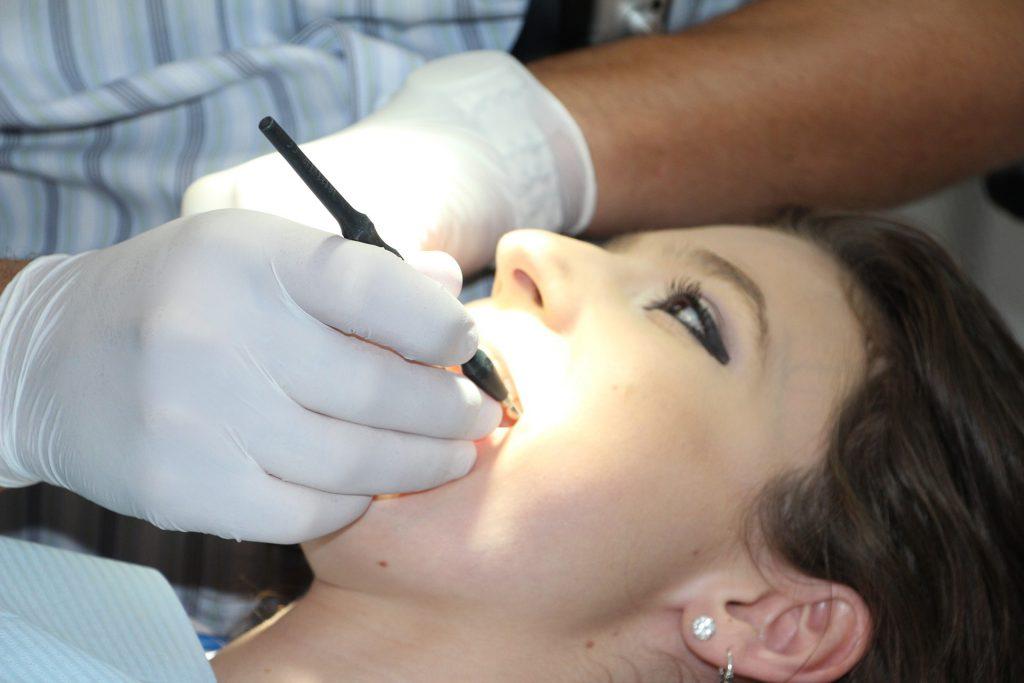 השתלות שיניים יתרונות וחסרונות
