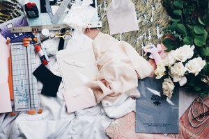 עיצוב אופנה בקיץ הישראלי: המדריך השלם לבדים מומלצים