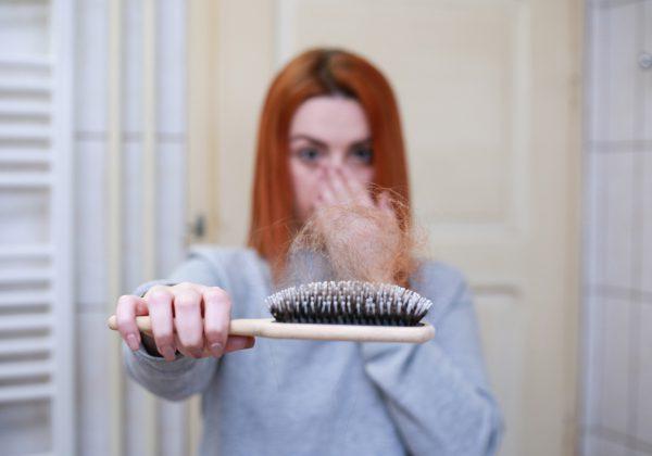 איך אפשר למנוע את נשירת השיער?