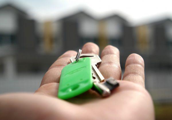 מדוע מומלץ להיעזר במשרד תיווך בתל אביב למציאת דירה?