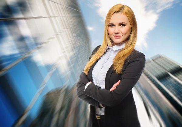 מנהלת שפרי הופעתך: איך להגיע זוהרת ומטופחת לעבודה?